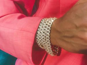 Crystal Haze, gioielli dai poteri ultraterreni