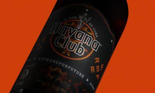 Bottiglia limited edition Havana club x Retrosuperfuture, dettaglio bottiglia set esclusivo Havana Club retrosuperfuture